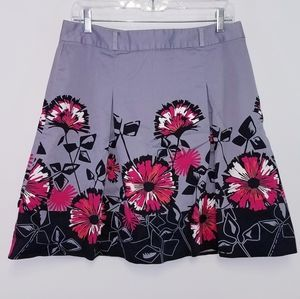 Apt.9 Size 10 Short Grey and black Floral Skirt